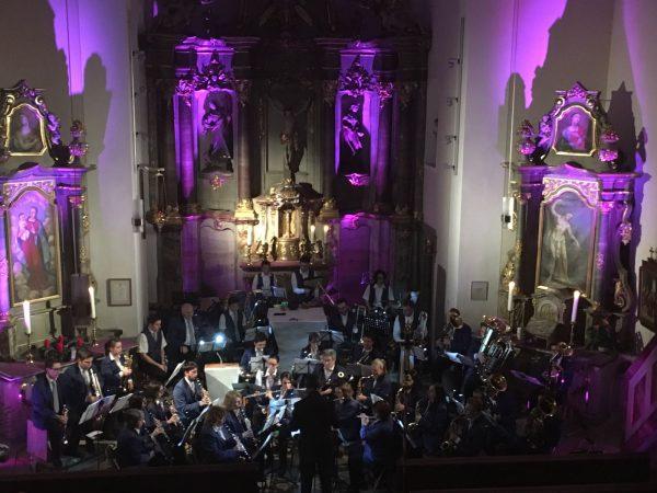 Weihnachtliche Stimmung kam in der katholischen Kirche St. Margaretha in Grombach bei den Stücken der aktiven Kapelle des MVG und der Chöre des MGV auf!